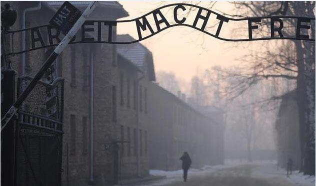 Zerrten SS-Aufseher vor Gericht: Wie zwei mutige Staatsanwälte das KZ-System angriffen